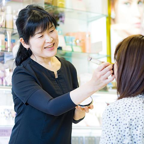岐阜県大垣市でエステ・ゆがみ矯正ならLuna(ルーナ)|肩こり・腰痛・ひざ痛 ・生理痛、更年期など女性特有の症状 ・アトピー性皮膚炎などのアレルギーやダイエットもご相談ください。